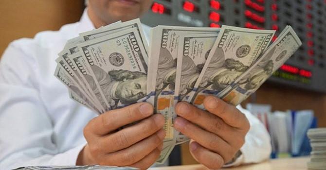 Các ngân hàng trở lại nâng giá USD
